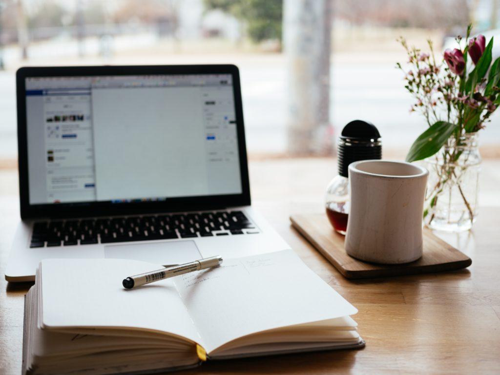 PPC Geeks Blog - Outsourcing Advantages & Disadvantages